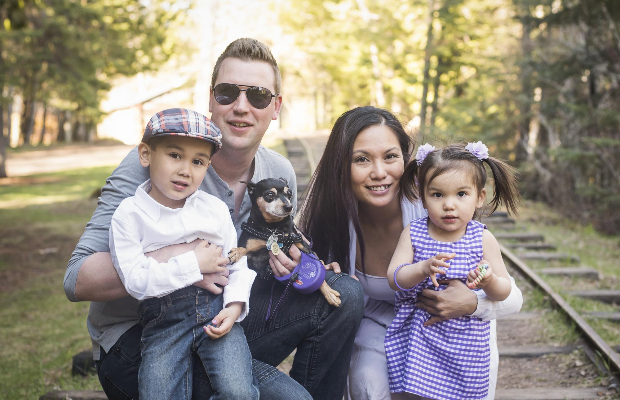 Jenn Family Mini Session Thunder Bay Dan Garrity Media