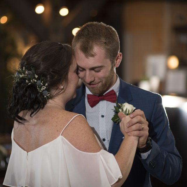 Kim&Ben_Wedding_SleepingGiantBrewery_DanGarrityMedia_090