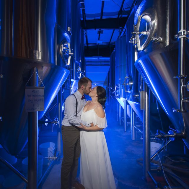Kim&Ben_Wedding_SleepingGiantBrewery_DanGarrityMedia_093
